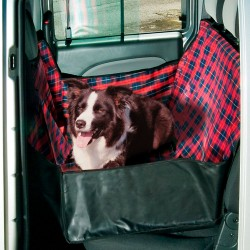Koera istmekate autosse